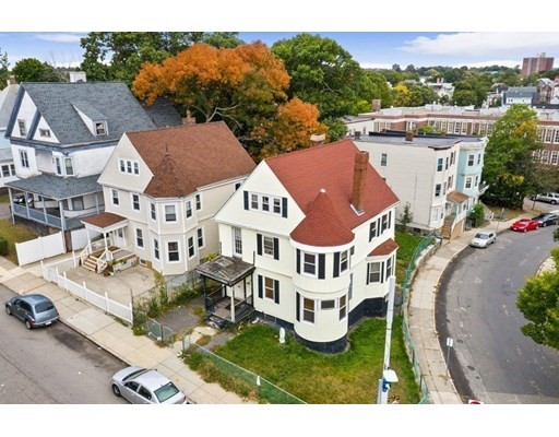 4 Beds, 4 Baths home in Boston for $575,000