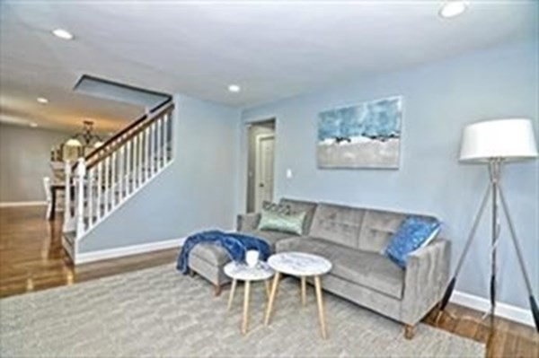 16 Oak Hill Road Wayland MA 01778