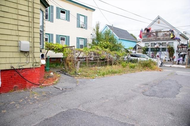 15 Light Street Court Lynn MA 01905