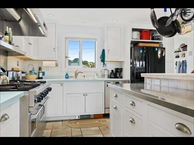 7 Garfield Street Provincetown MA 02657