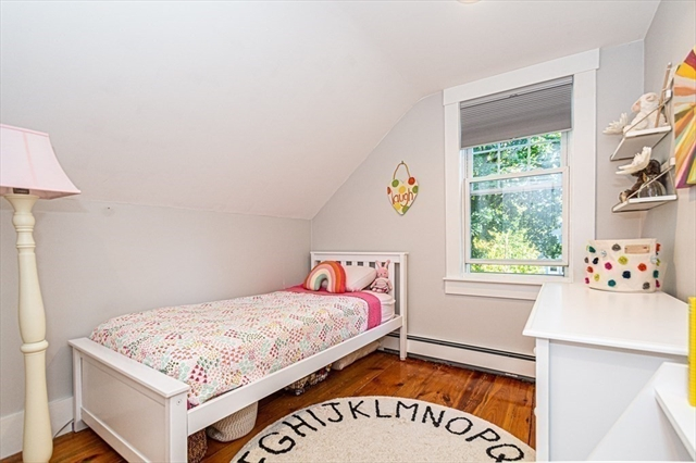 14 WARREN Avenue Reading MA 01867