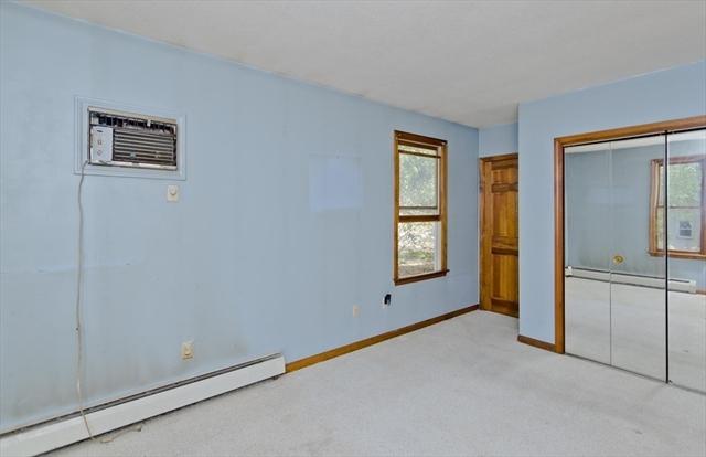 71 Oak Lane Agawam MA 01030