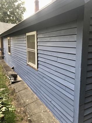 145 Hope St, Greenfield, MA: $139,900