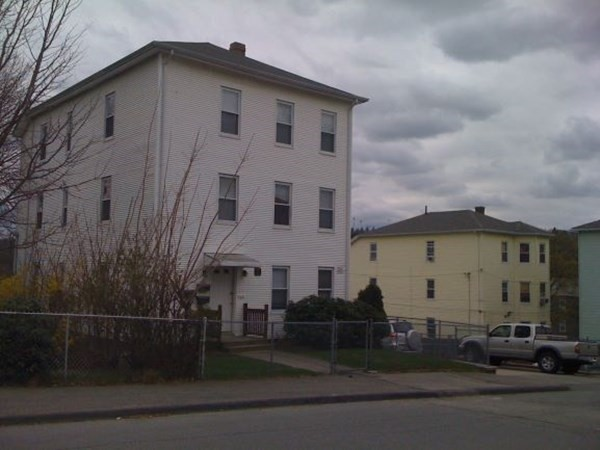 31 Esther Street Worcester MA 01607