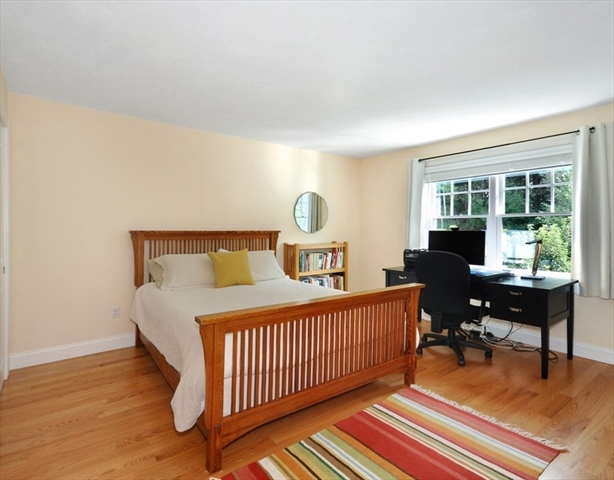 121 Finigan Way Concord MA 01742