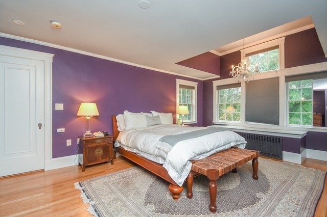 10 Larch Road Newton MA 02468