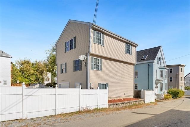 17 Thorndike Street Haverhill MA 01832