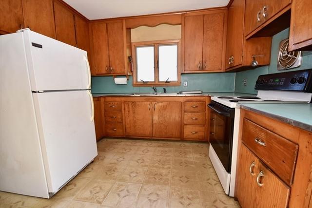 756 S East Street Amherst MA 01002