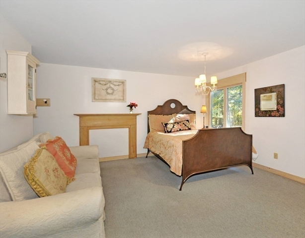 25 Oak Meadow Road Lincoln MA 01773