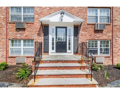 2 Beds, 1 Bath home in Arlington for $322,500