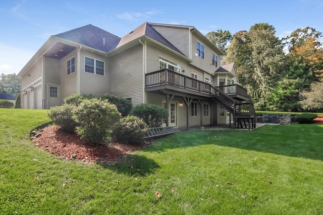 19 Oak Leaf Lane Easton MA 02356