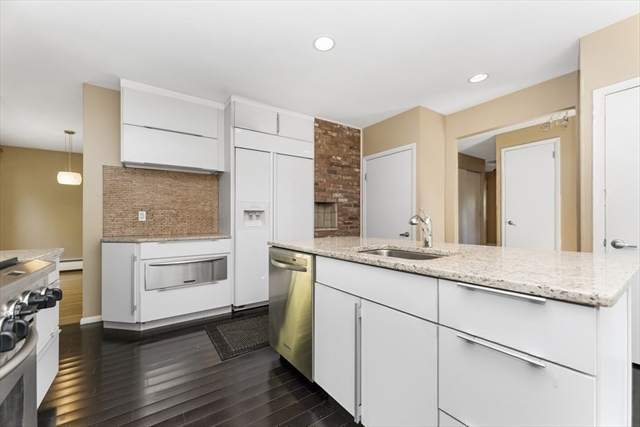 6 Donna Road Worcester MA 01609