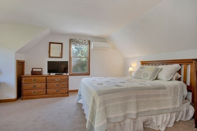 8 Pattee Road Falmouth MA 02536