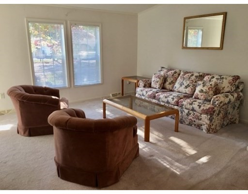 402 Crystal Way, Middleboro, MA 02346