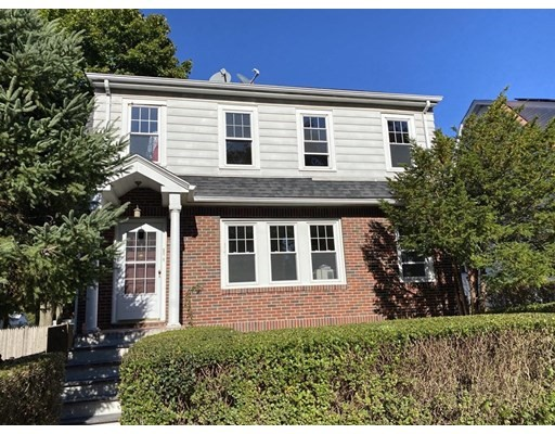 27 Hayes Road, Boston - Roslindale, MA 02131