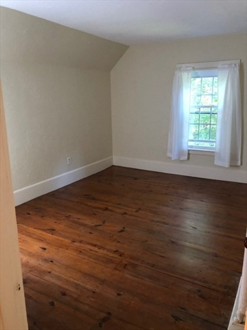 15 Oak Avenue Lunenburg MA 01462