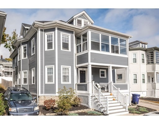 34 Saranac St, Boston - Dorchester, MA 02122