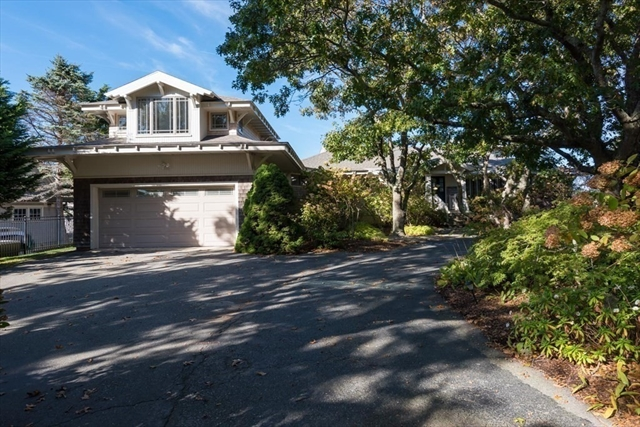 39 Gunning Point Avenue Falmouth MA 02540