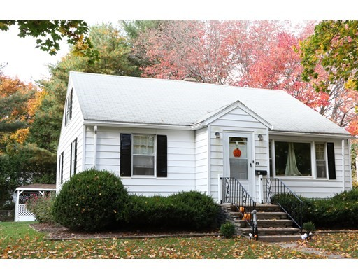Crowningshield Rd, Worcester, MA 01604