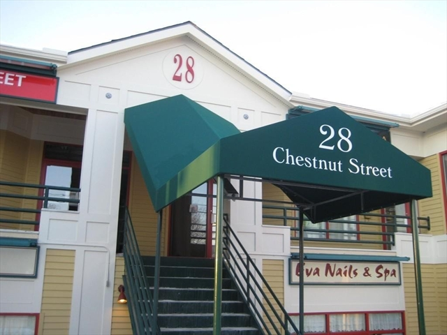28 CHESTNUT Street Andover MA 01810