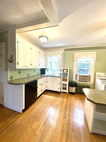 129 Thompson Road Webster MA 01570