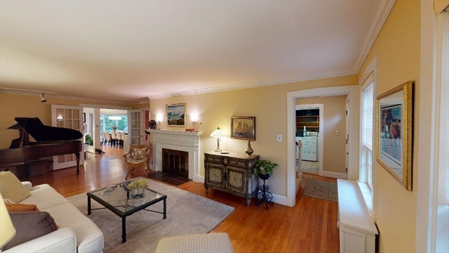 118 Walnut Hill Road Newton MA 02461