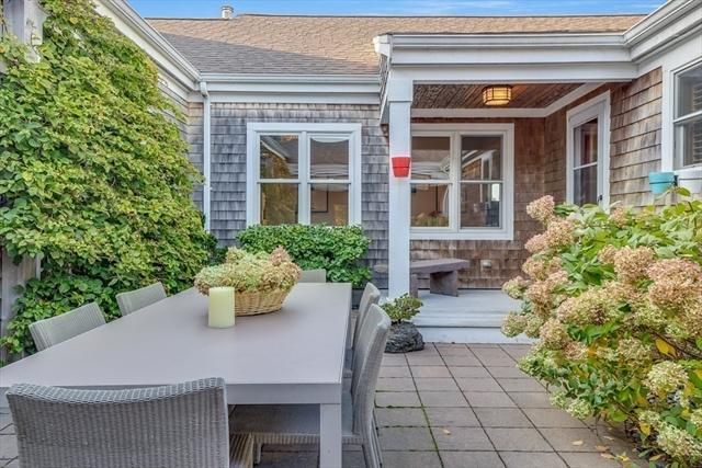 5 Whitcomb Garden Plymouth MA 02360