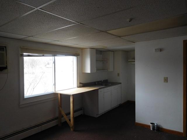 197 Merrimack Avenue Dracut MA 01826