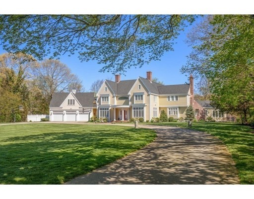 5 Beds, 5 Baths home in Duxbury for $4,900,000