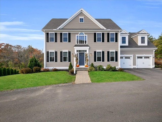 8 Pond View Lane Beverly MA 01915