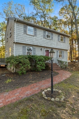 98 Colonial Road Abington MA 02351