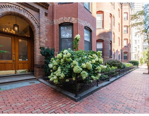 3 Beds, 2 Baths home in Boston for $2,299,000