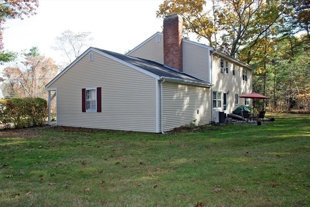 43 Old Powder House Road Lakeville MA 02347