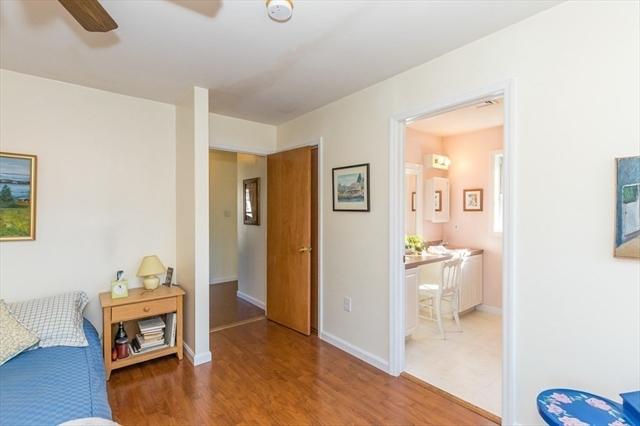 10 Hillside Avenue Burlington MA 01803