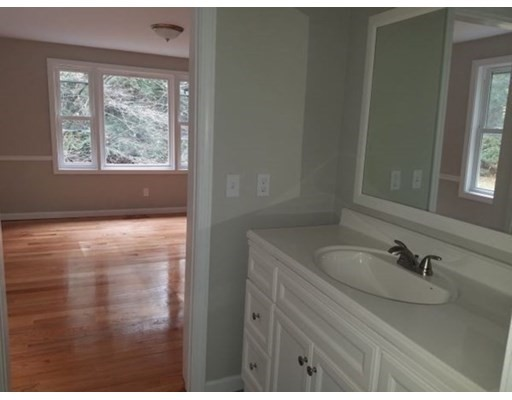 5 bed, 4 bath home in Amherst for $559,900