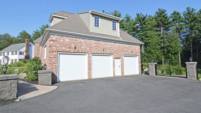 29 Wellington Drive East Longmeadow MA 01028