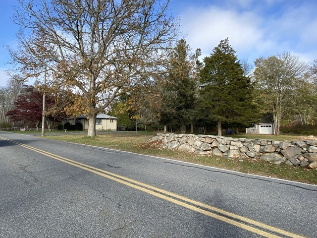 678 Horseneck Road Westport MA 02790