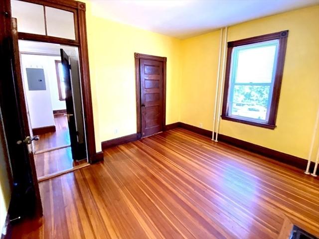 33 Calumet Street Boston MA 02120