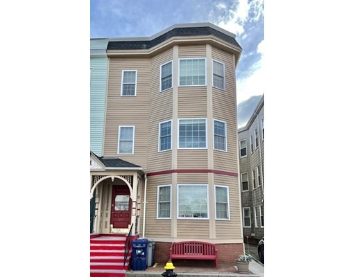 2 Beds, 1 Bath home in Boston for $675,000