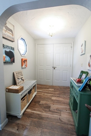 47 Foxglove Road Barnstable MA 02632