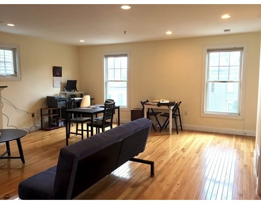 135 Calumet Unit 3, Boston - Mission Hill, MA 02120