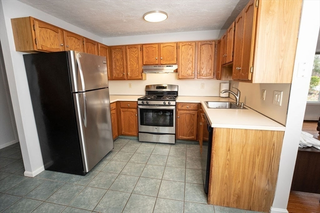 9 Strawberry Lane Kingston MA 02364