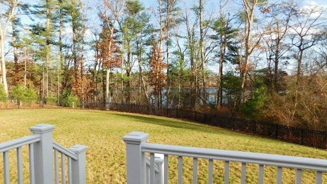 8 Pond View Terrace Wareham MA 02576
