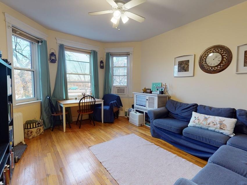 1637 Commonwealth Ave, Boston, MA Image 3
