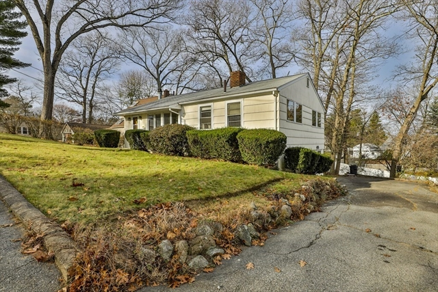 26 Lockwood Road Lynnfield MA 01940