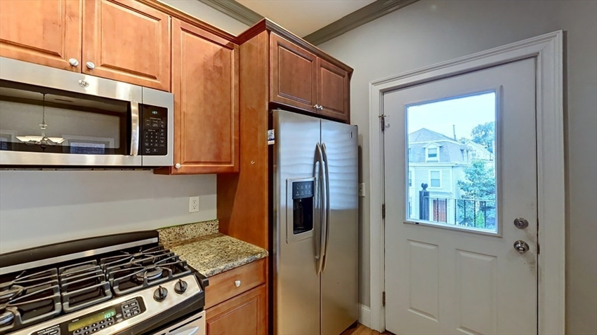 559 East 6th St, Boston, MA Image 6