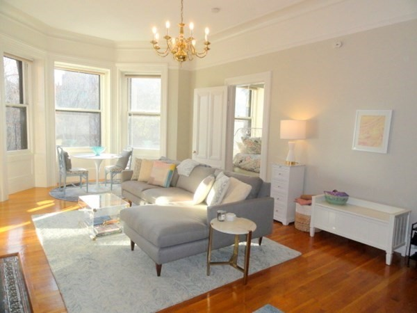 121 Commomwealth Avenue Boston MA 02116