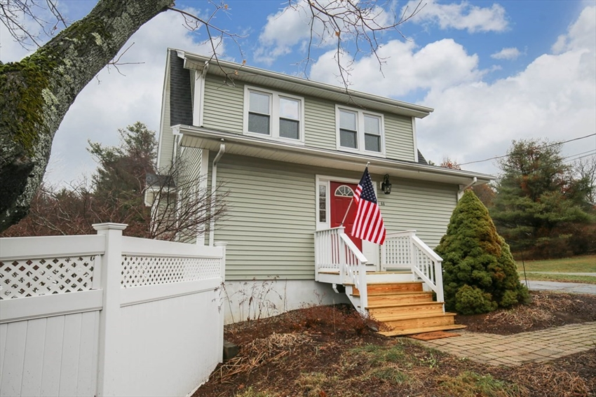 44 West St, Paxton, MA Image 1