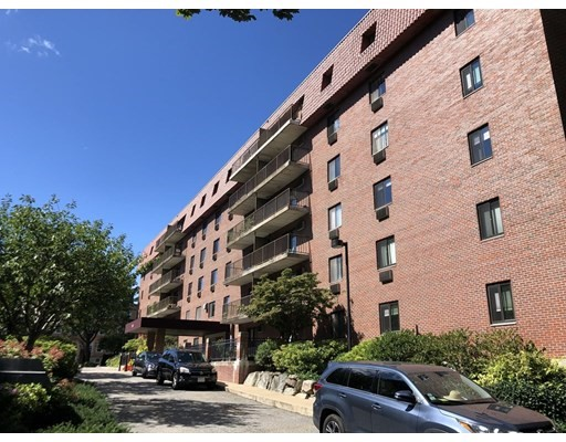 1 Bed, 1.5 Baths apartment in Brookline, Coolidge Corner  for $2,500