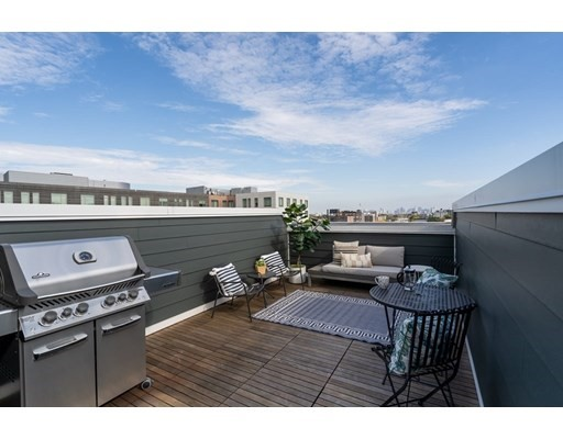2 Beds, 2 Baths home in Boston for $999,000